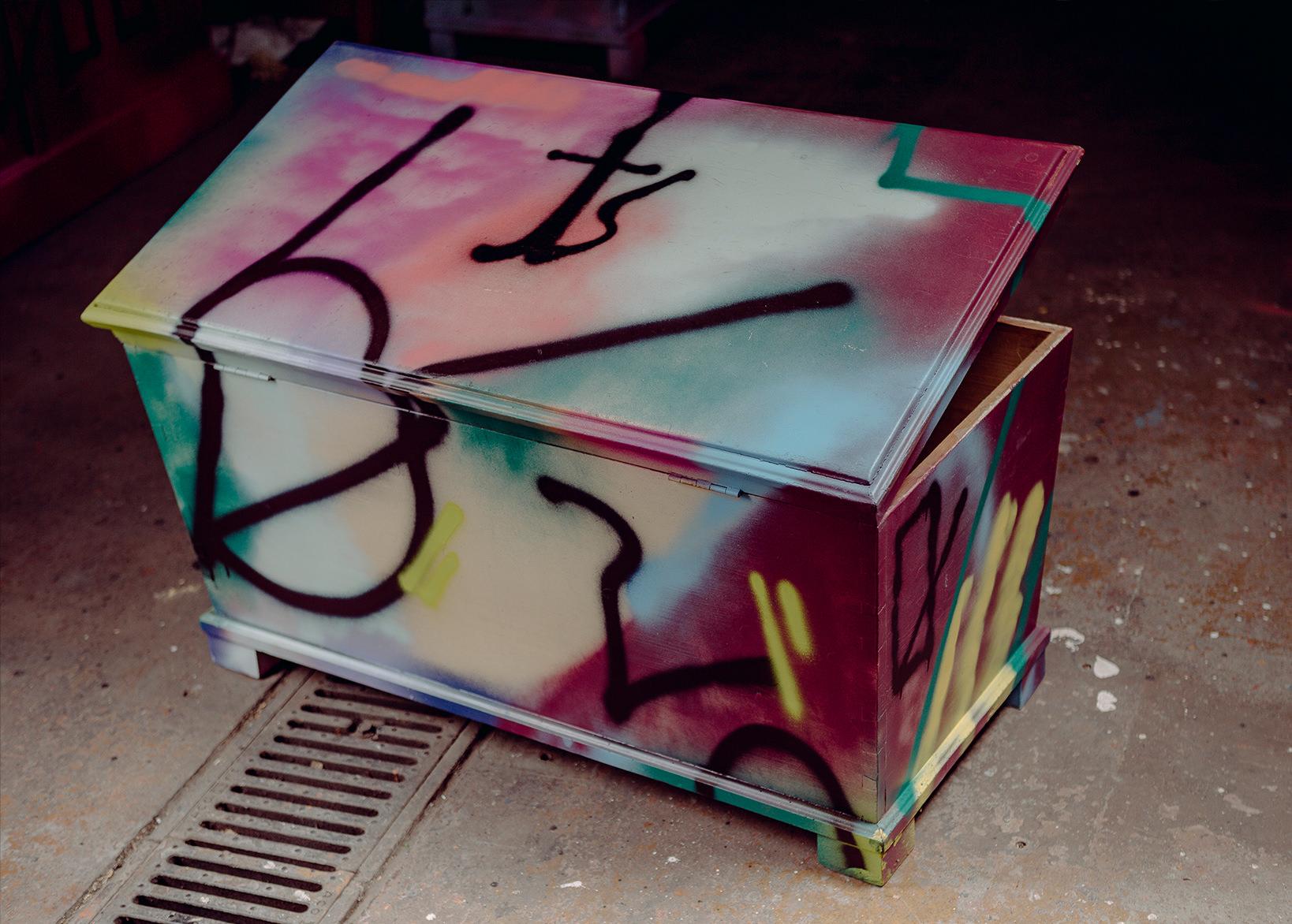 ohP-custom-art-graffiti-streetart-furniture-calligraphy-box