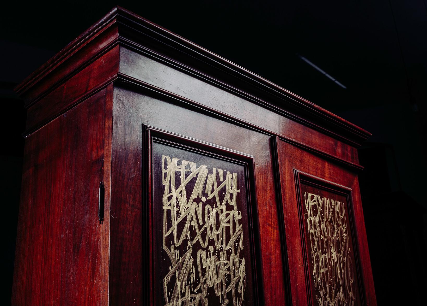 ohP-custom-art-graffiti-streetart-furniture-tags-dresser